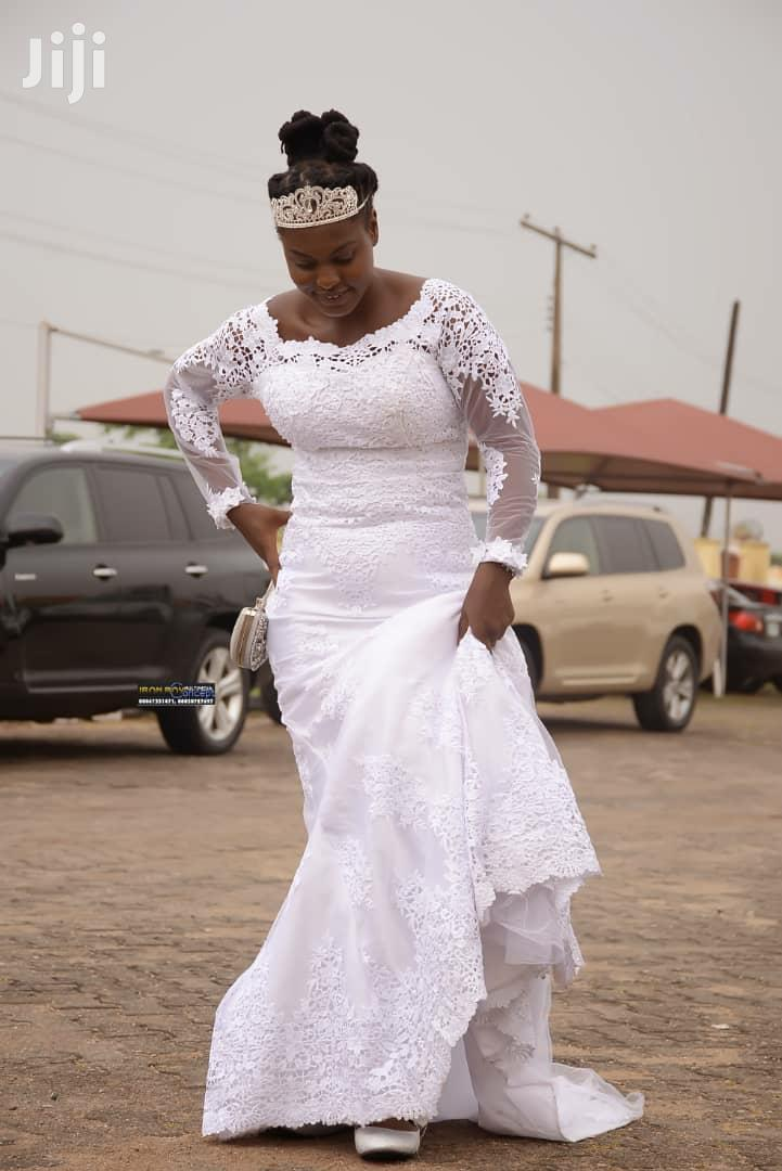 A Very New Used Wedding Gown | Wedding Wear & Accessories for sale in Akure, Ondo State, Nigeria