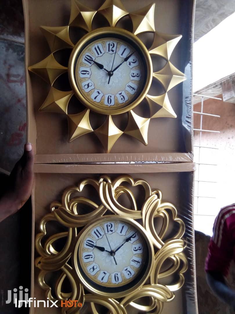Mirrow and Clock Gift Set.