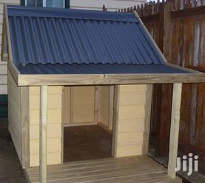 Outdoor Kennel Peak Roof With Food Bowl (Xl Extra Large Fibreglass )   Pet's Accessories for sale in Lagos State, Ikorodu