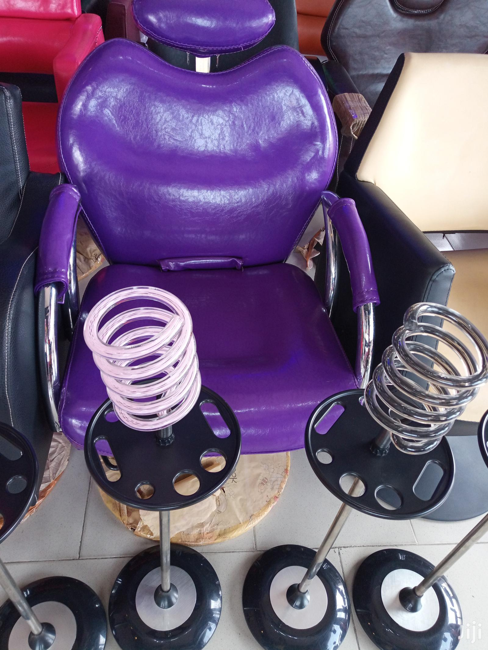 Imported Executive Relaxing Saloon Chair