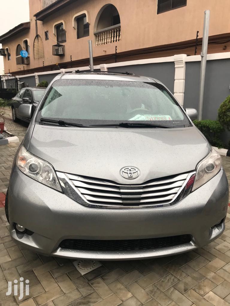 Toyota Sienna 2012 7 Passenger Silver