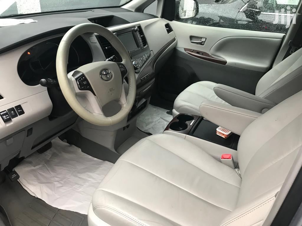 Toyota Sienna 2012 7 Passenger Silver   Cars for sale in Isolo, Lagos State, Nigeria
