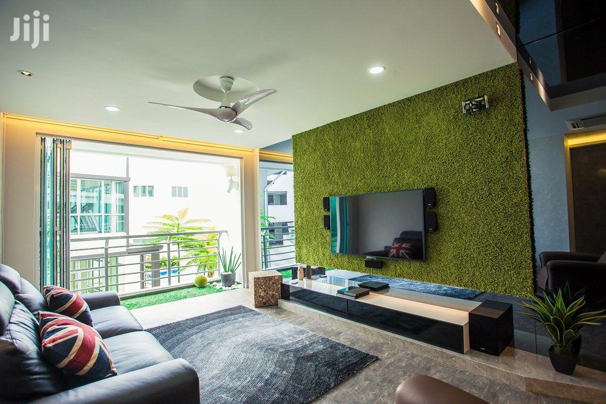 New & Soft Artificial Garden Grass For Wall & Home Decoration.