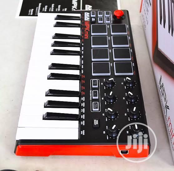 Akai Mpk Keyboard With Drum Pad