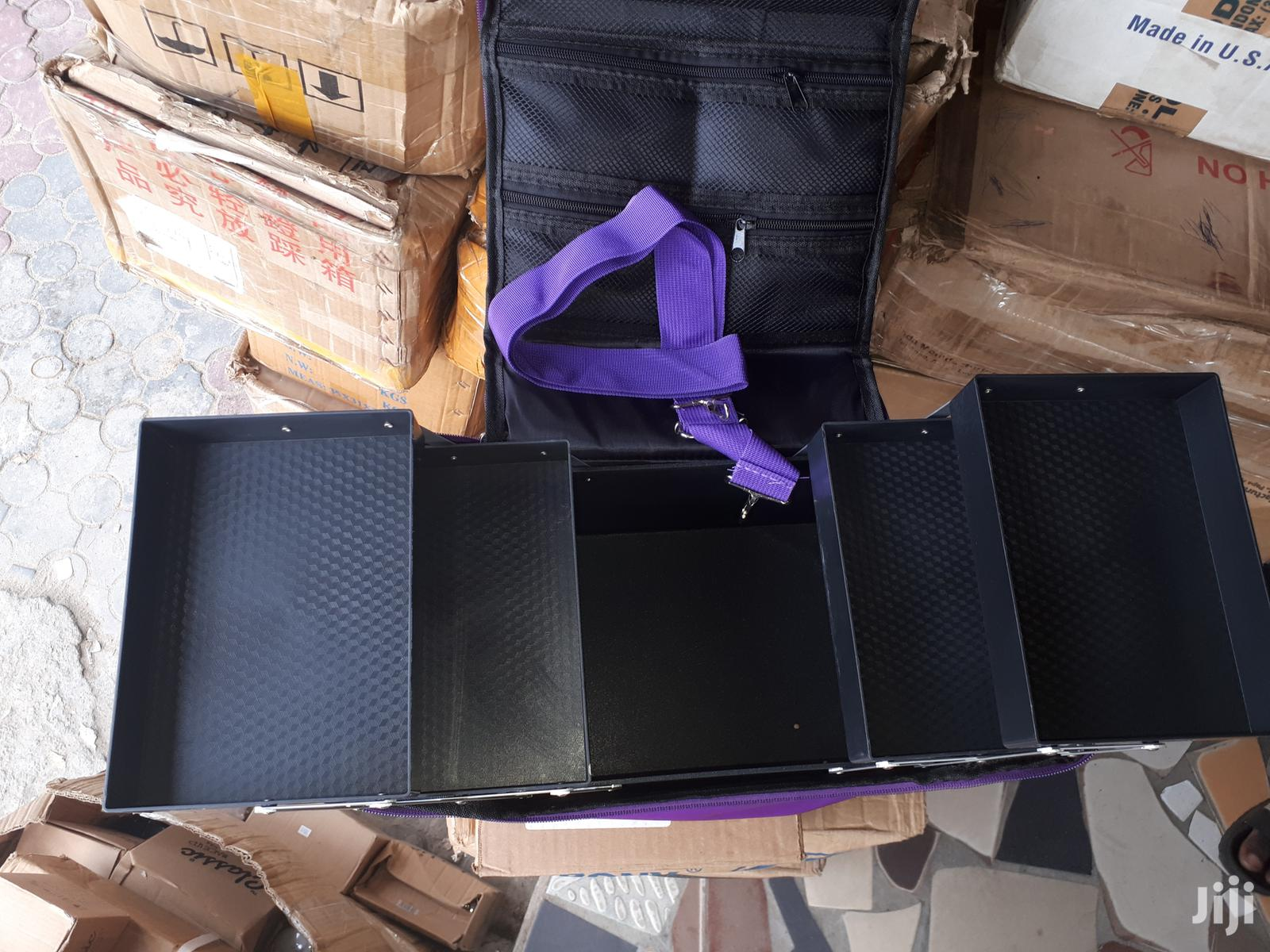Makeup Box | Tools & Accessories for sale in Surulere, Lagos State, Nigeria