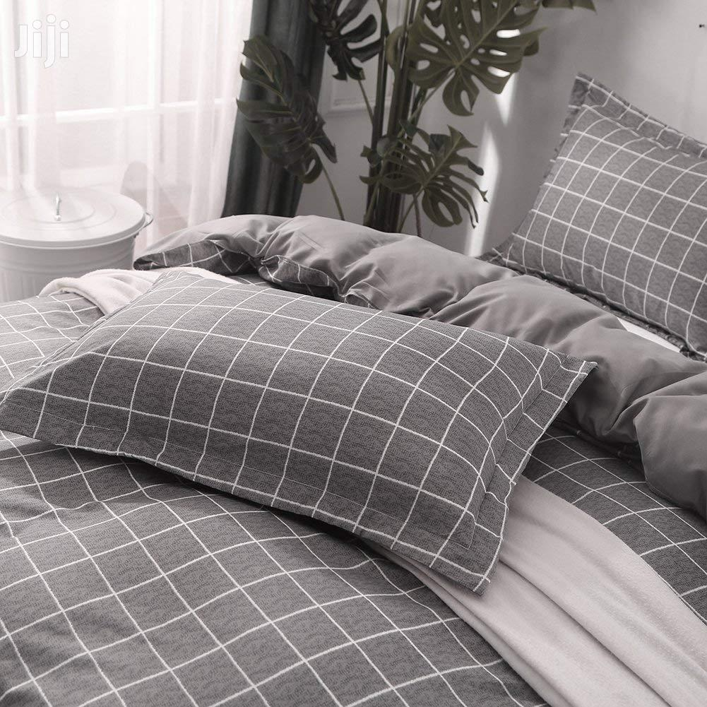 Full Grey Plaid Duvet/Beddings