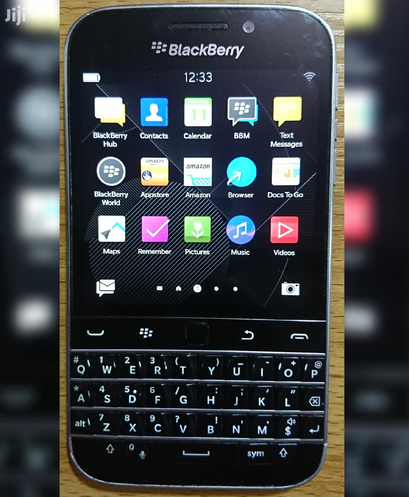 BlackBerry Classic 16 GB Black | Mobile Phones for sale in Isolo, Lagos State, Nigeria