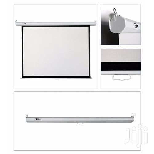 Archive: Manual Projector Screen 72 X 72 Inches
