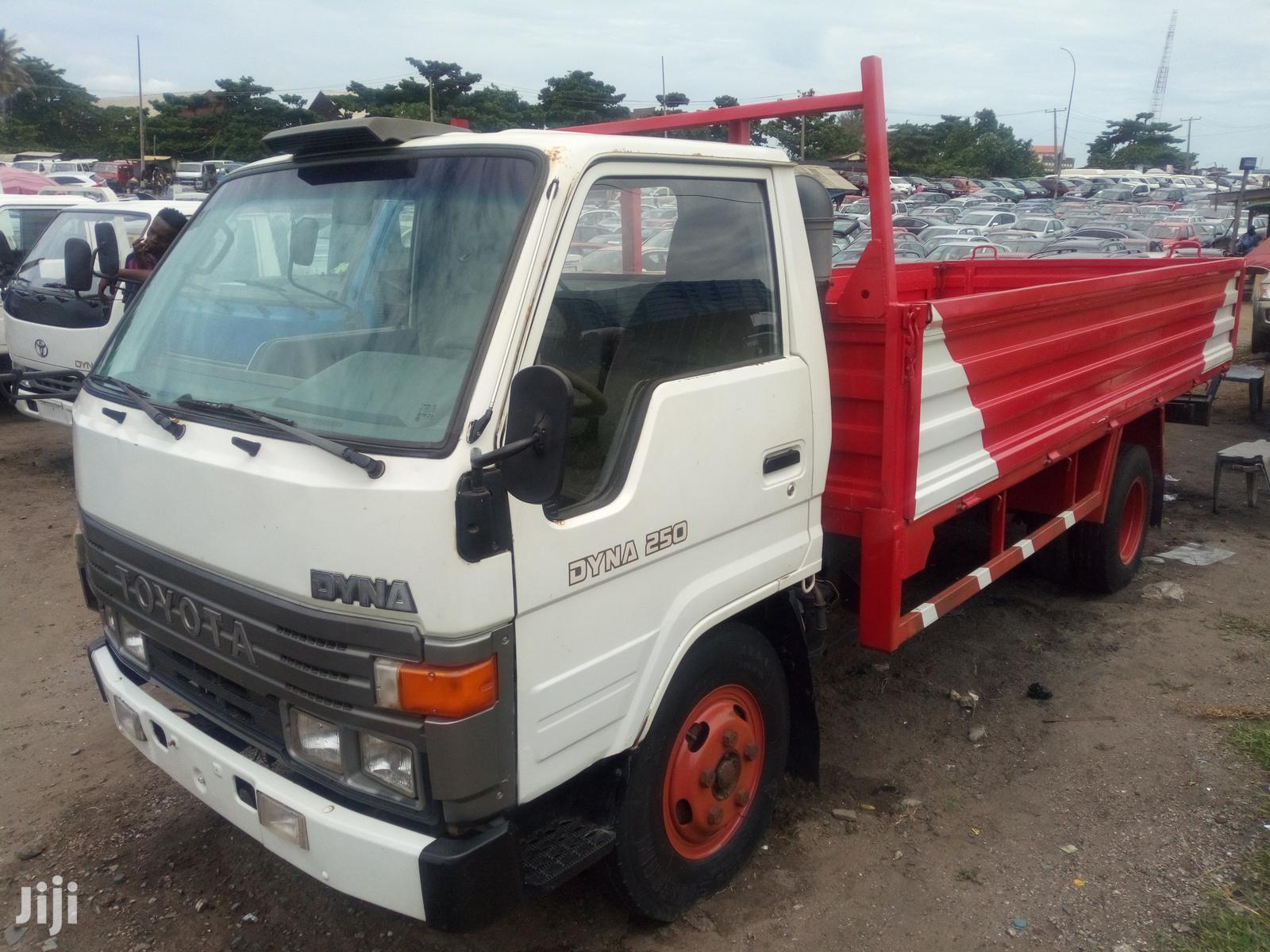 Toyota Dyna 2006 White   Trucks & Trailers for sale in Apapa, Lagos State, Nigeria