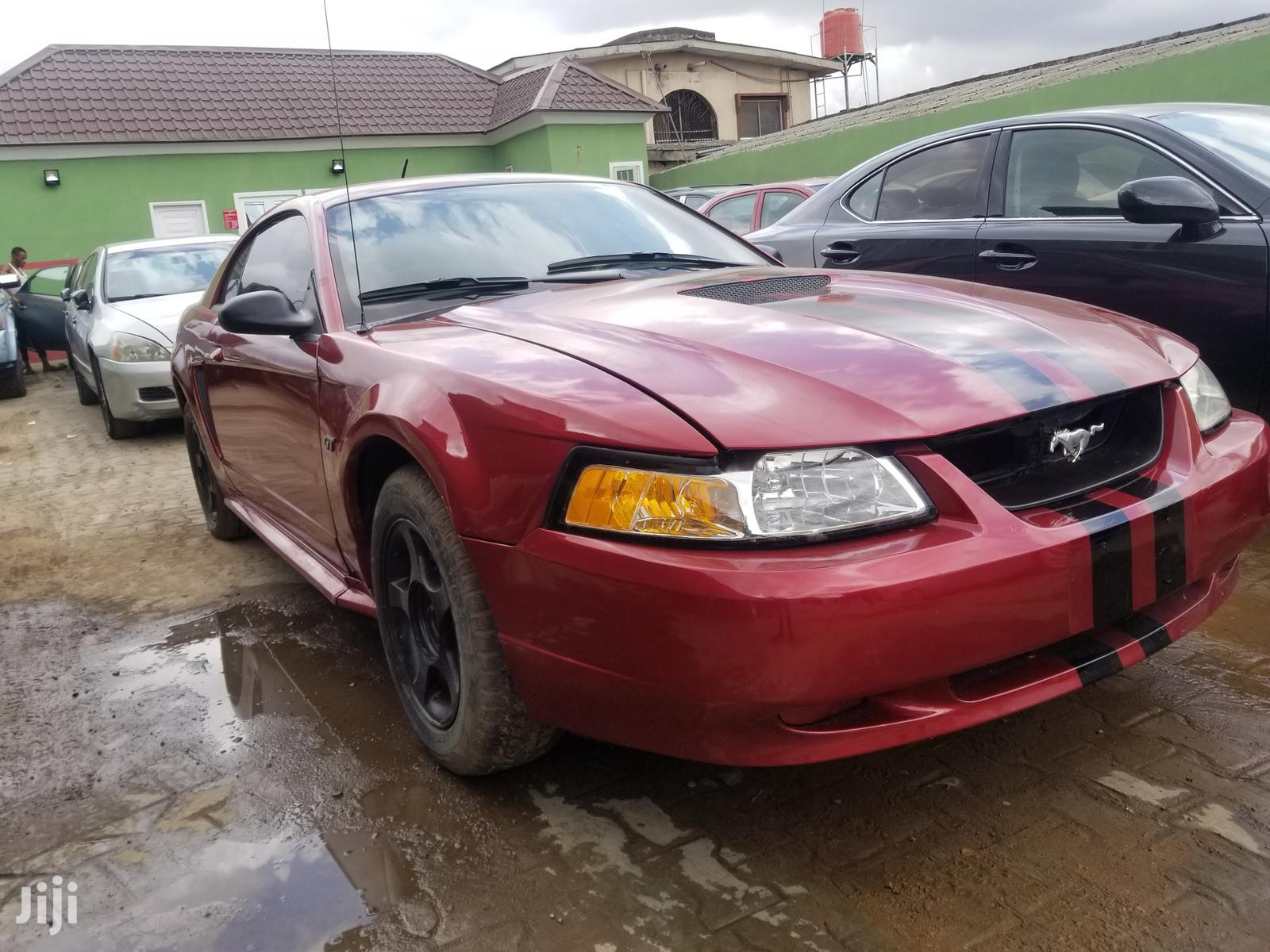 Ford Mustang 2004 Red