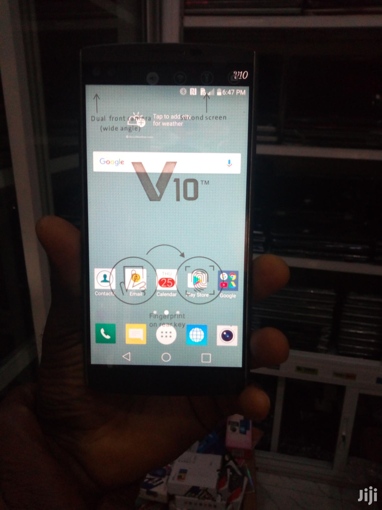 LG V10 64 GB Black