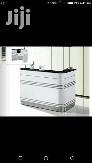 White Reception Desk Size 1.4 | Furniture for sale in Lagos State, Victoria Island