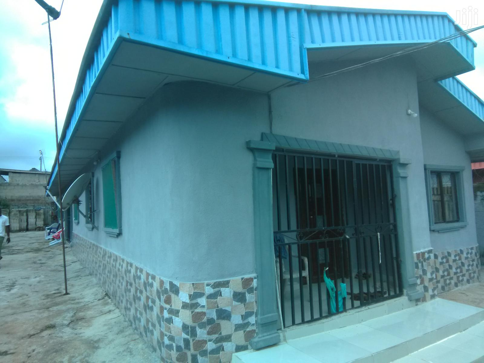 3bedroom Flat for Sale All Masters at Airport Road 14m.   Houses & Apartments For Sale for sale in Benin City, Edo State, Nigeria