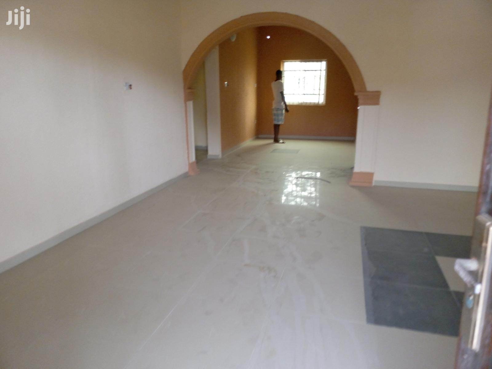 Spacious & Neat 3 Bedroom Flat at Liverpool Estate Satellite Town for Rent.