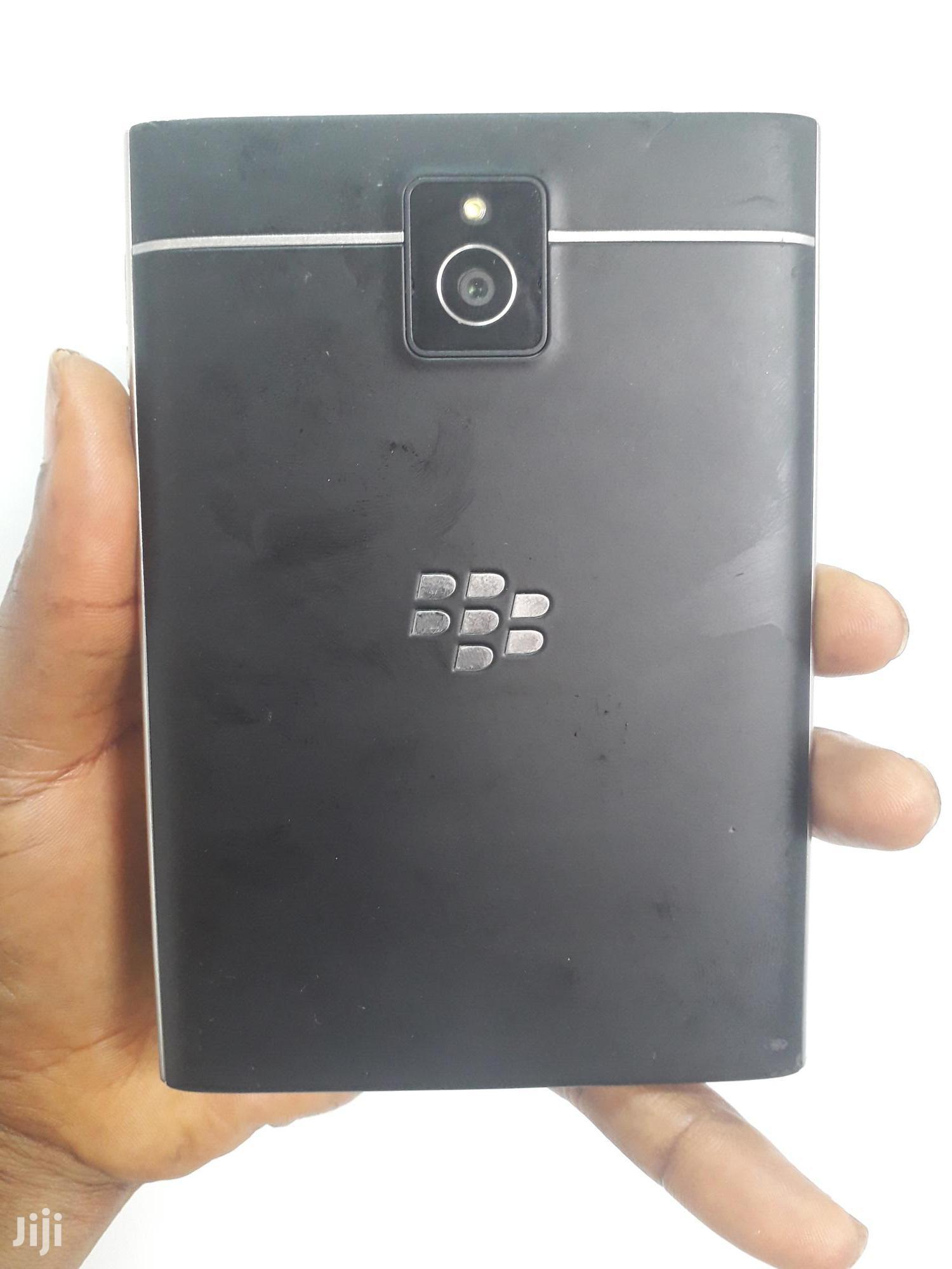 BlackBerry Passport 32 GB Black | Mobile Phones for sale in Ikeja, Lagos State, Nigeria