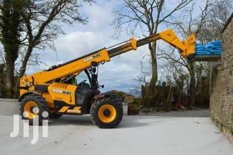 Archive: Crane And Telescope Forklift Available For Hiring