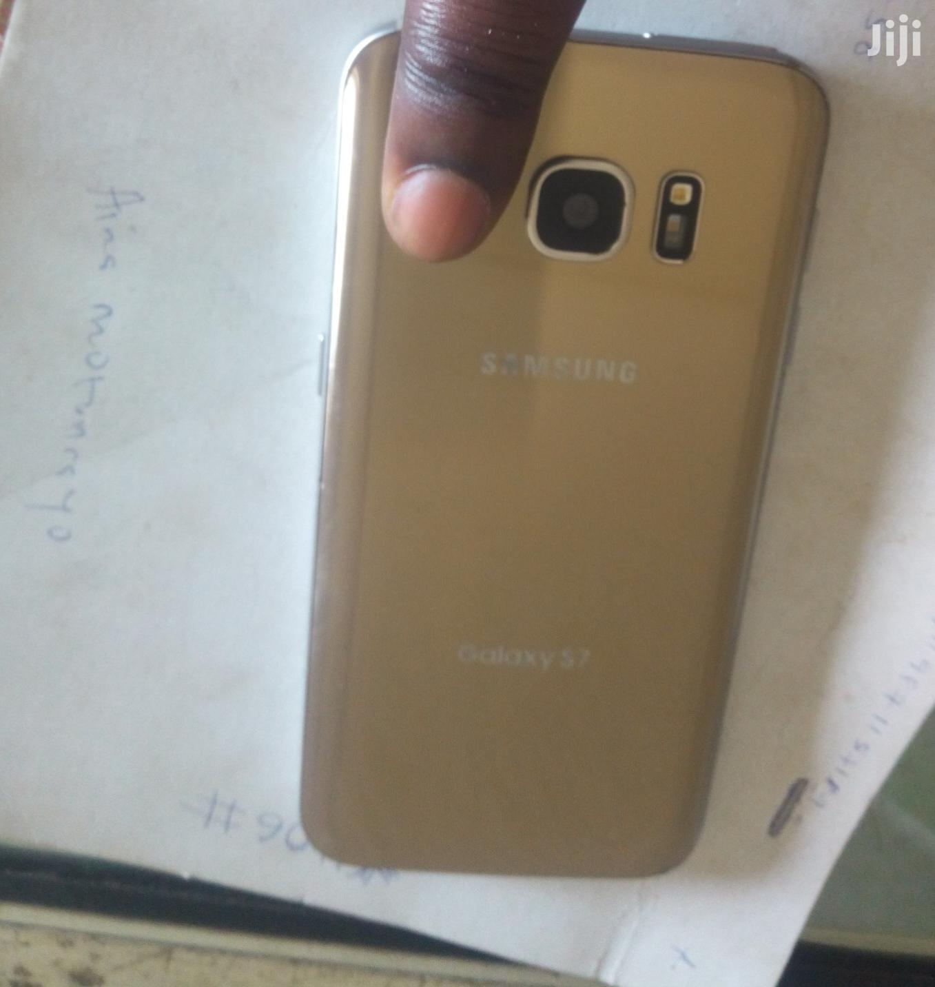 Samsung Galaxy S7 64 GB Gold   Mobile Phones for sale in Ibadan, Oyo State, Nigeria