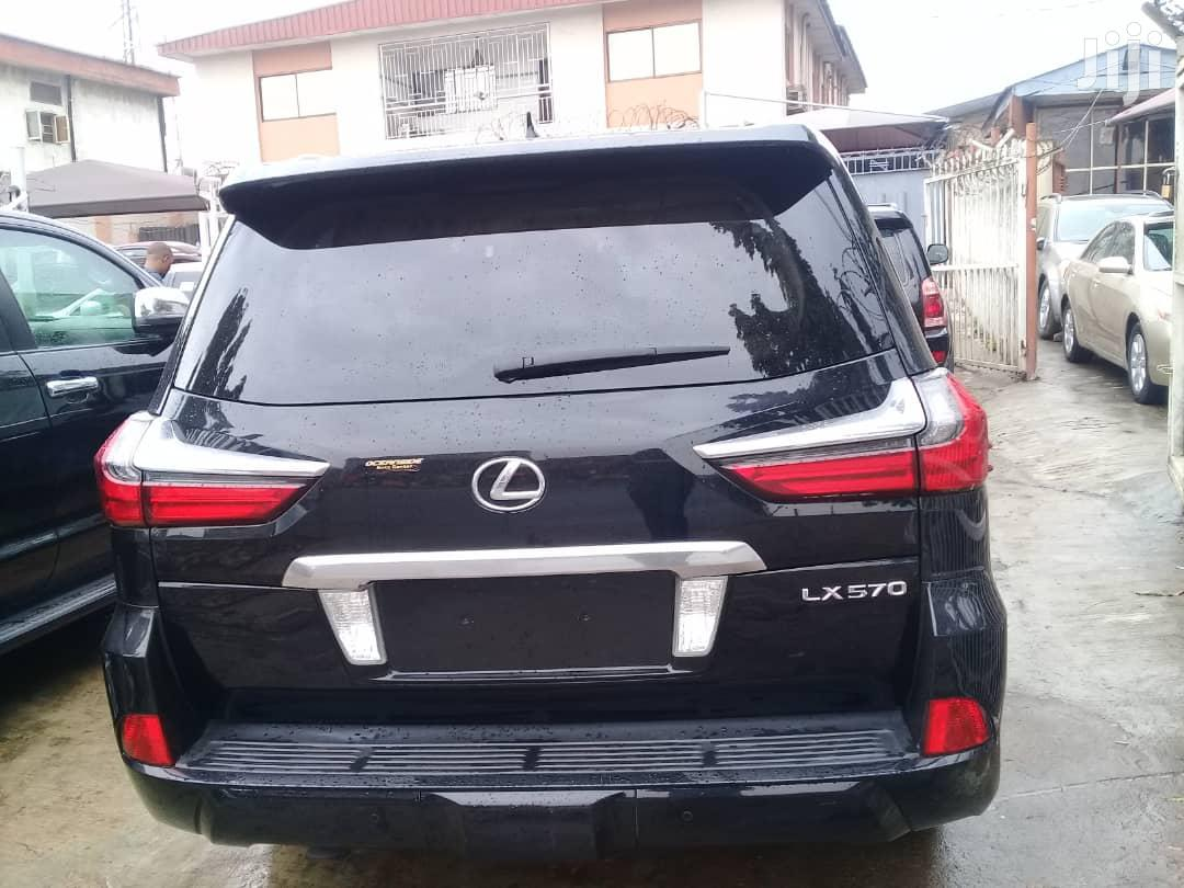 Lexus LX 570 2016 Black