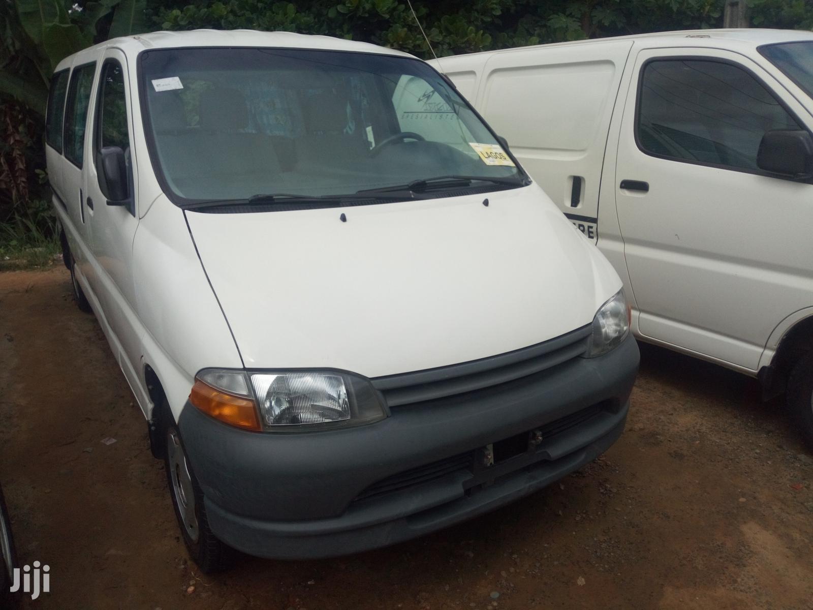 Toyota HiAce 1998 White