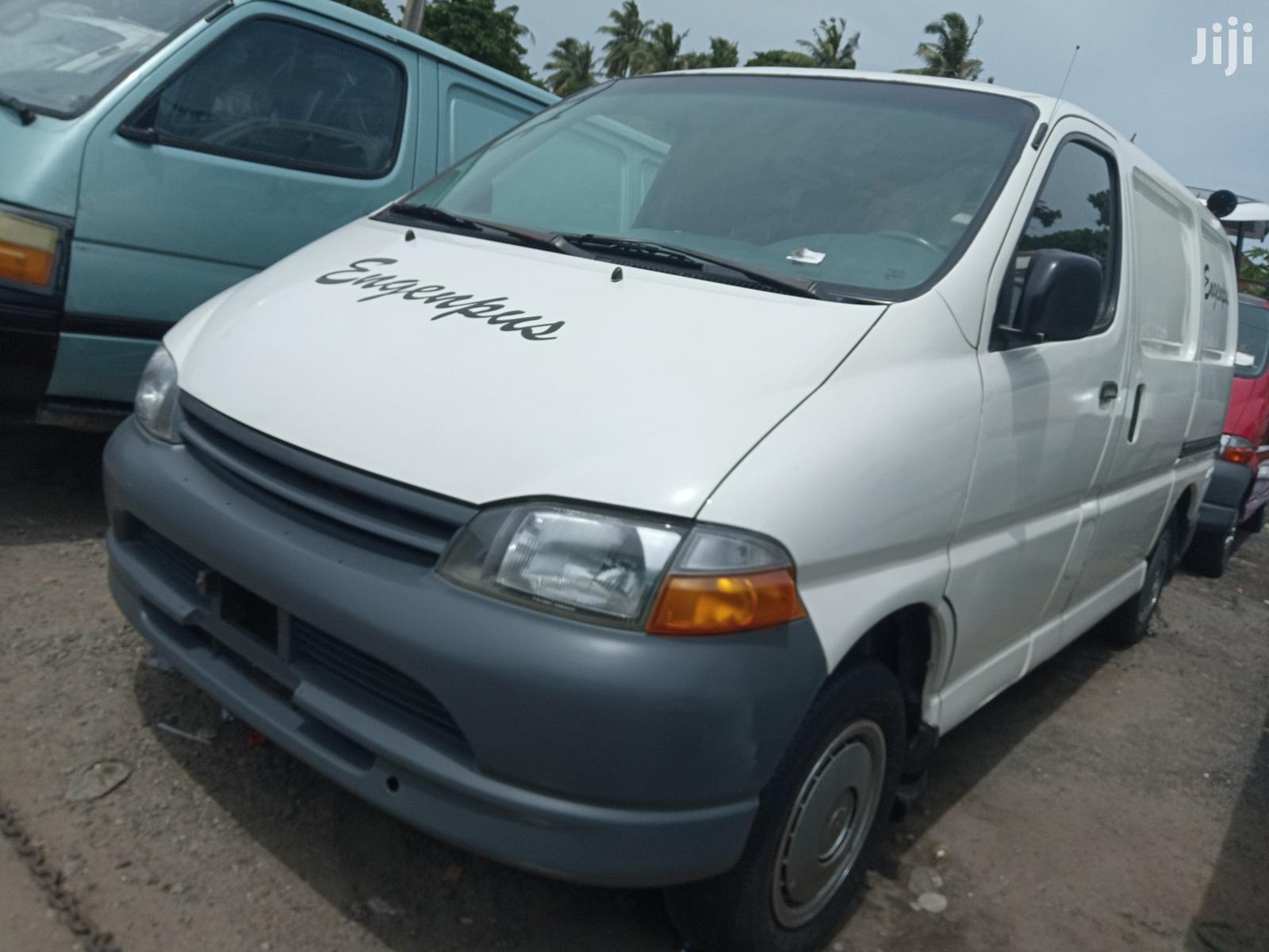 Toyota Hiace 2003 White