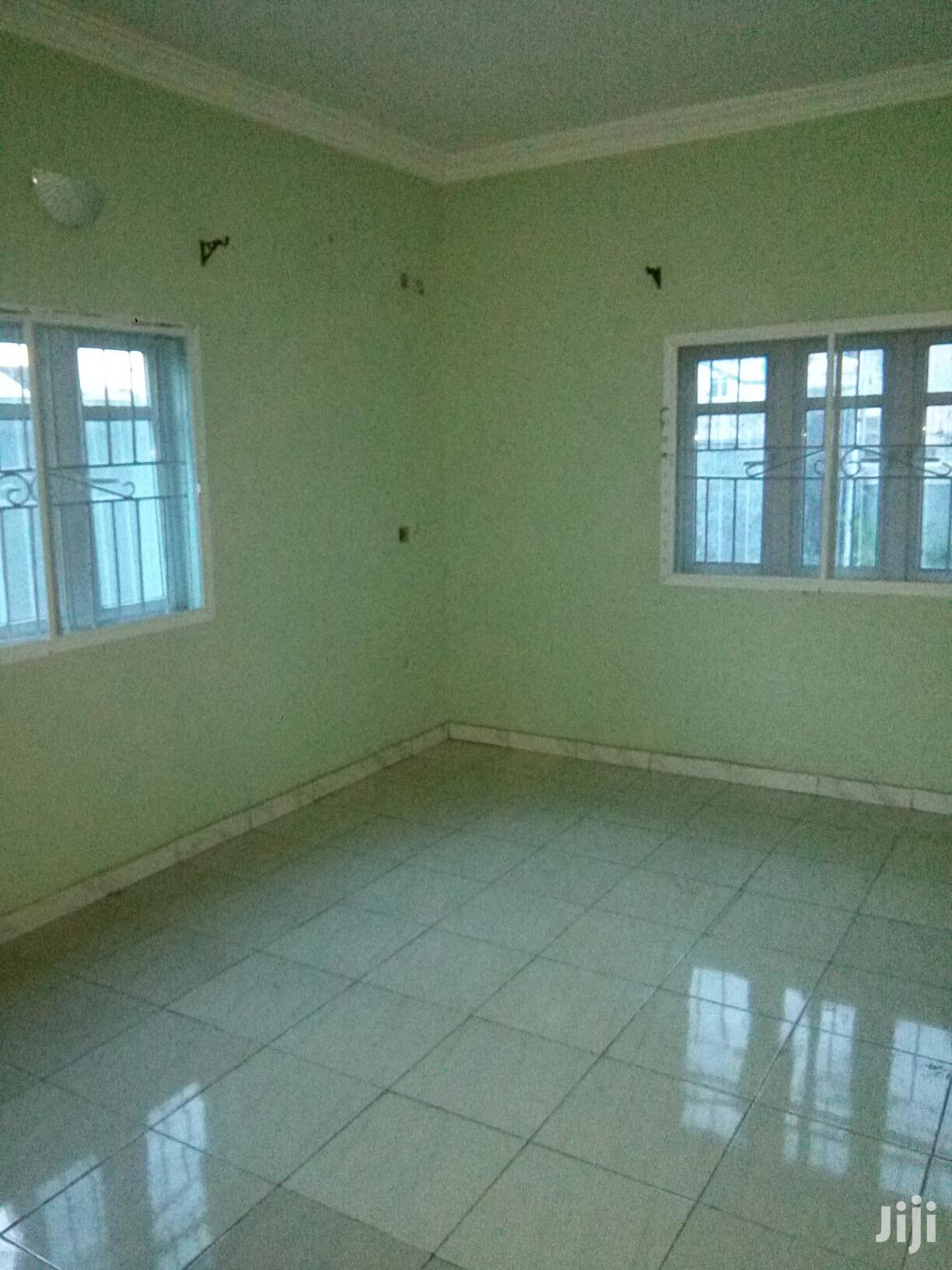 Archive: Clean 2 Bedroom Flat at Greenfield Estate