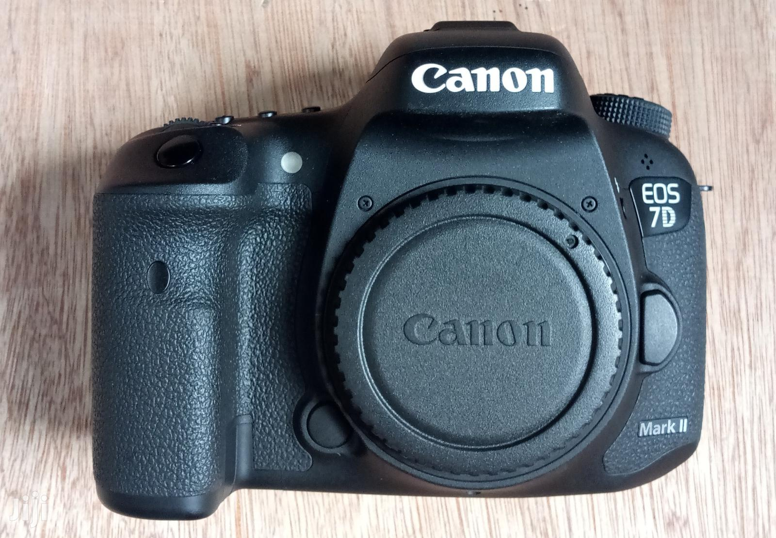 Canon 17-85mm + 7D Mark II Almost Brand New + Speedlite | Photo & Video Cameras for sale in Ibadan, Oyo State, Nigeria