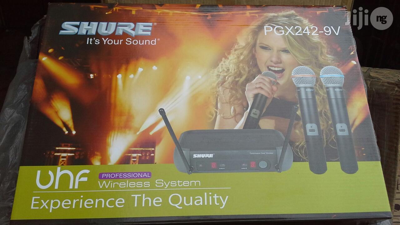Shure PGX242 Professional Wireless Microphone
