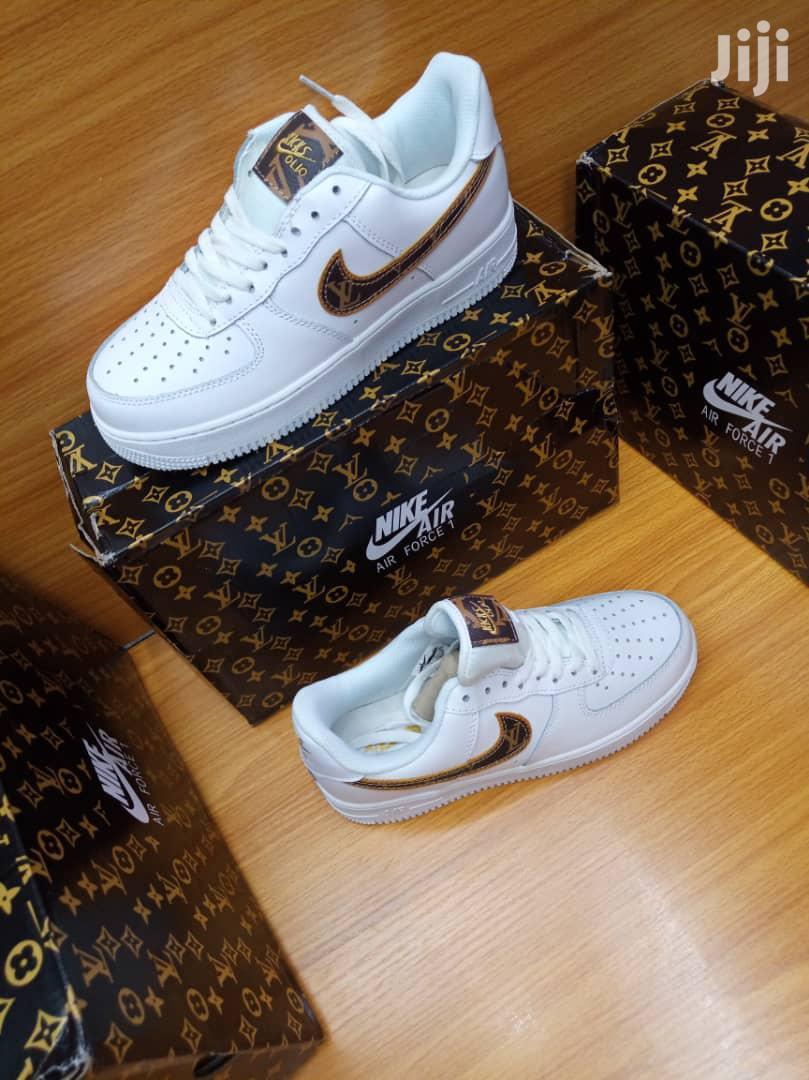 Nike Louis Vuitton Custom Sneakers in