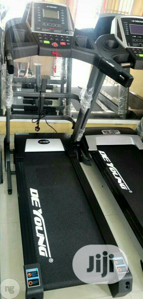 Good Quality Treadmill With Massager