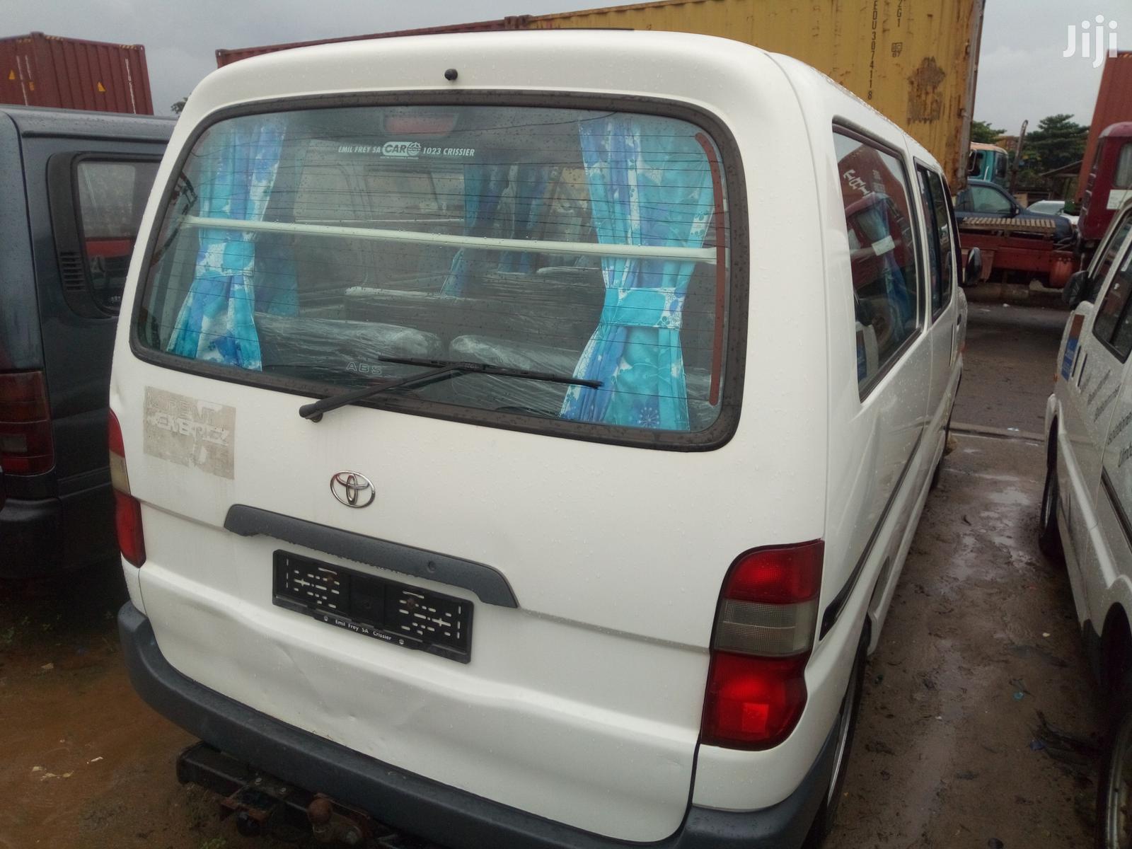 Toyota HiAce 2002 White | Buses & Microbuses for sale in Apapa, Lagos State, Nigeria