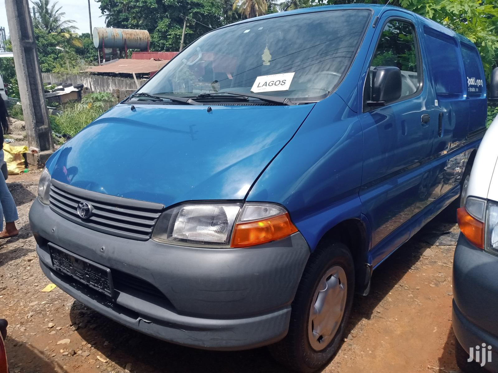 Toyota Hiace 2004 Blue