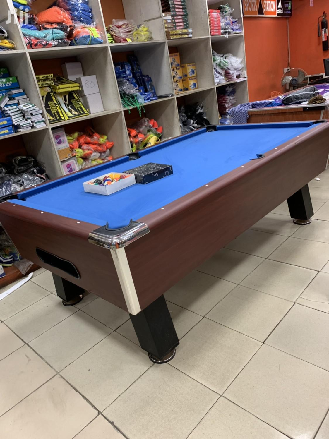 Coin Snooker Table With Double Accessories
