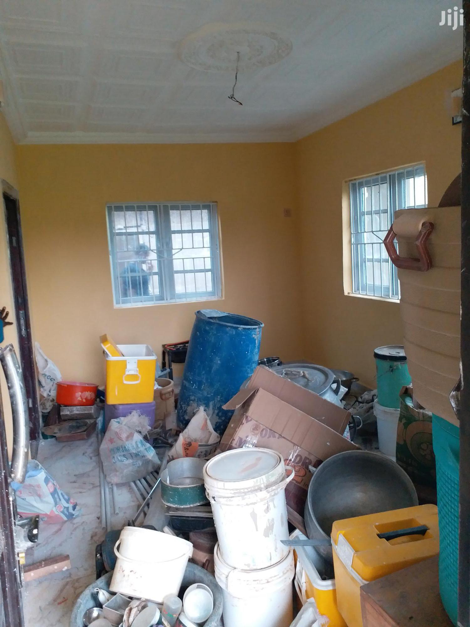 Room And Parlour Self Con 120k Per Annum With Visitors Toilet | Houses & Apartments For Rent for sale in Ikorodu, Lagos State, Nigeria