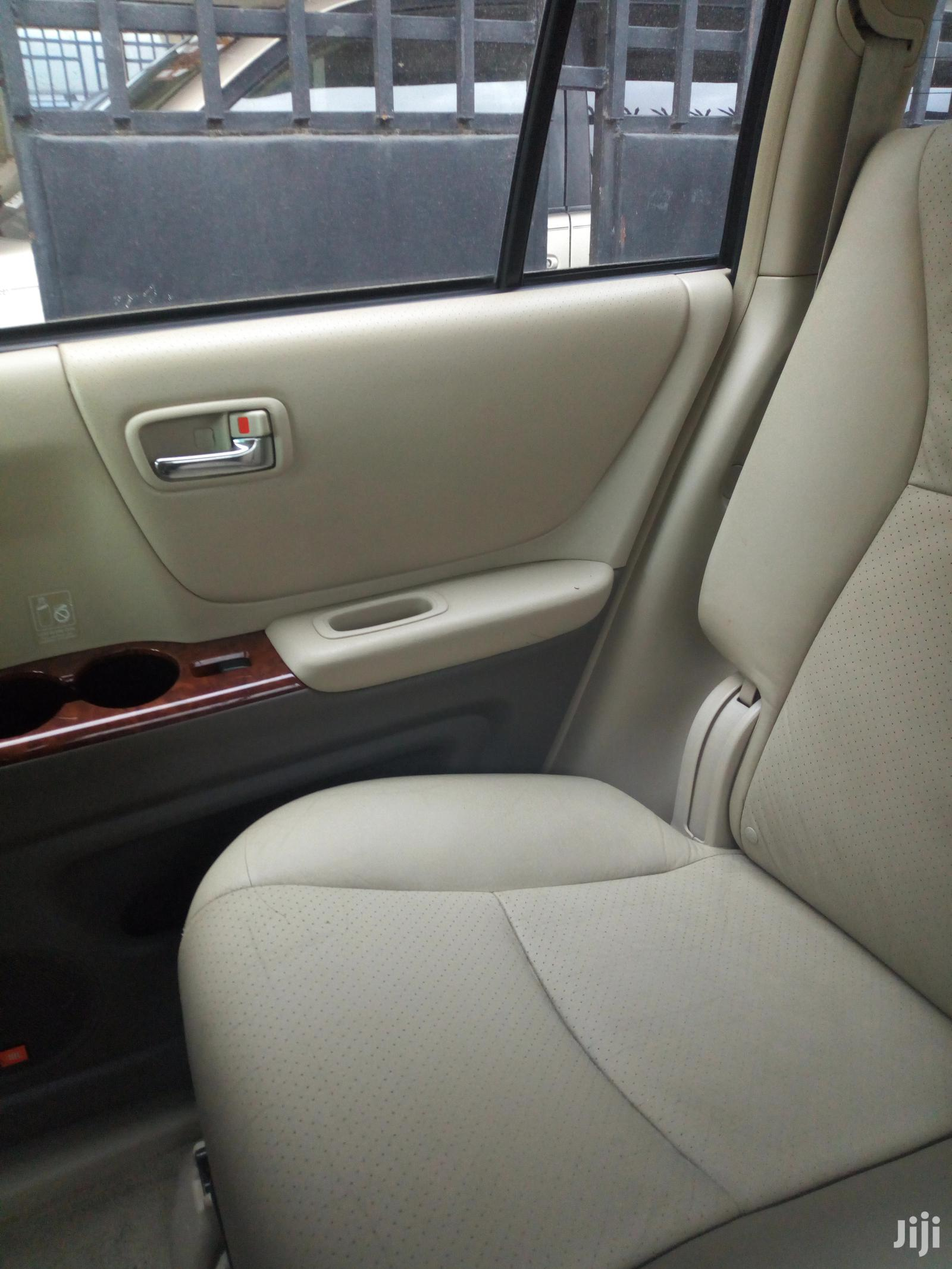 Archive: Toyota Highlander 2006 Limited V6 4x4 Blue