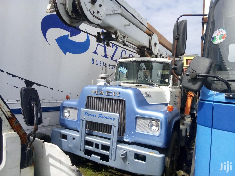Archive: Mercedes Crane Truck