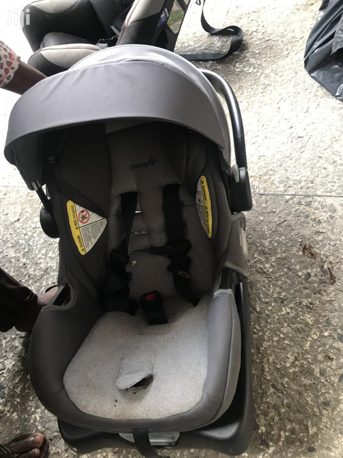 Archive: Baby Carrier With Sun Shade