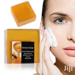 Handmade Whitening Peeling Glutathione Arbutin Honey Kojic Acid Soap | Bath & Body for sale in Lagos State, Surulere