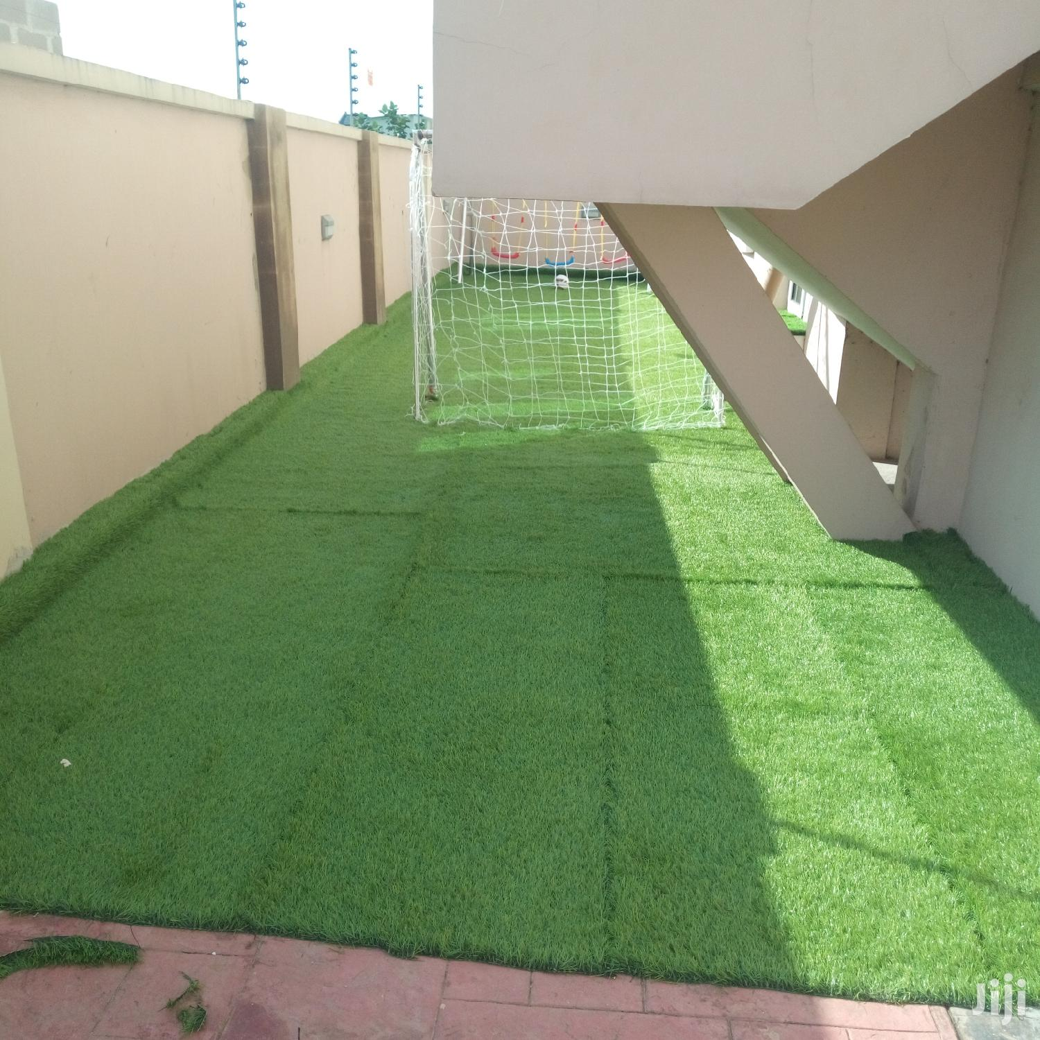 New & Quality Artificial Green Grass Carpet For Sale & Installation.   Garden for sale in Surulere, Lagos State, Nigeria