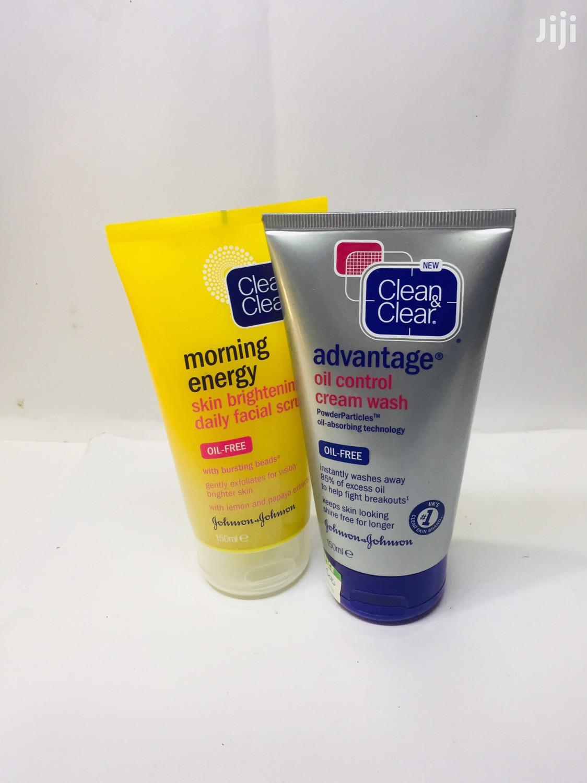Clean Clear Facials Scrub/ Face Wash