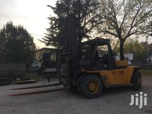 Carterpillar V300 Forklift   Heavy Equipment for sale in Lagos State, Surulere