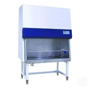 Laminal Flow Hood For Laboratory Use
