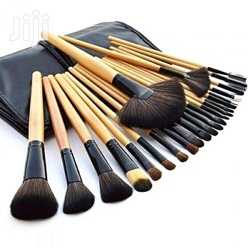 Professional Make Up Brushes With Leather Pouch - 24 Pieces