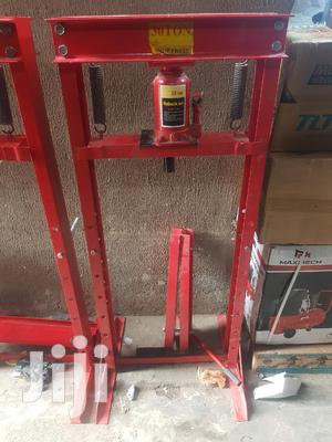 30 Ton Hydraulic Jack | Vehicle Parts & Accessories for sale in Lagos State, Lagos Island (Eko)