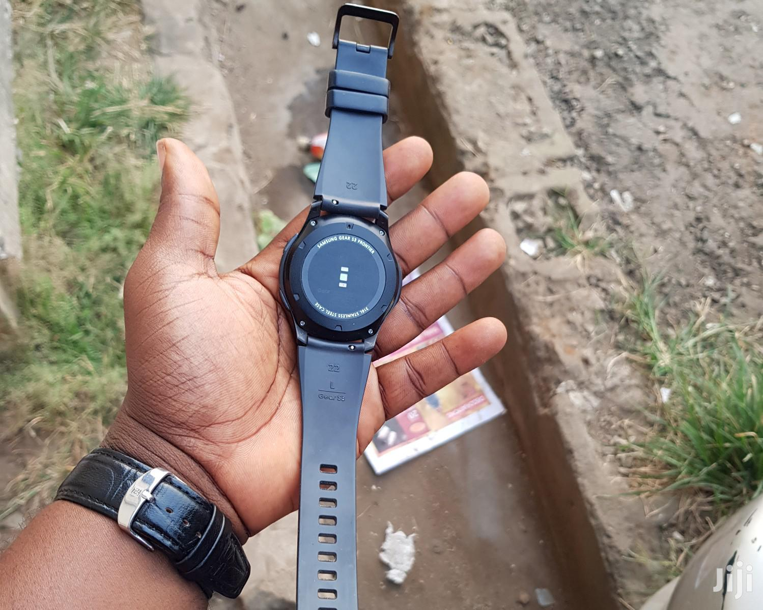 Clean Samsung Gear S3 Frontier