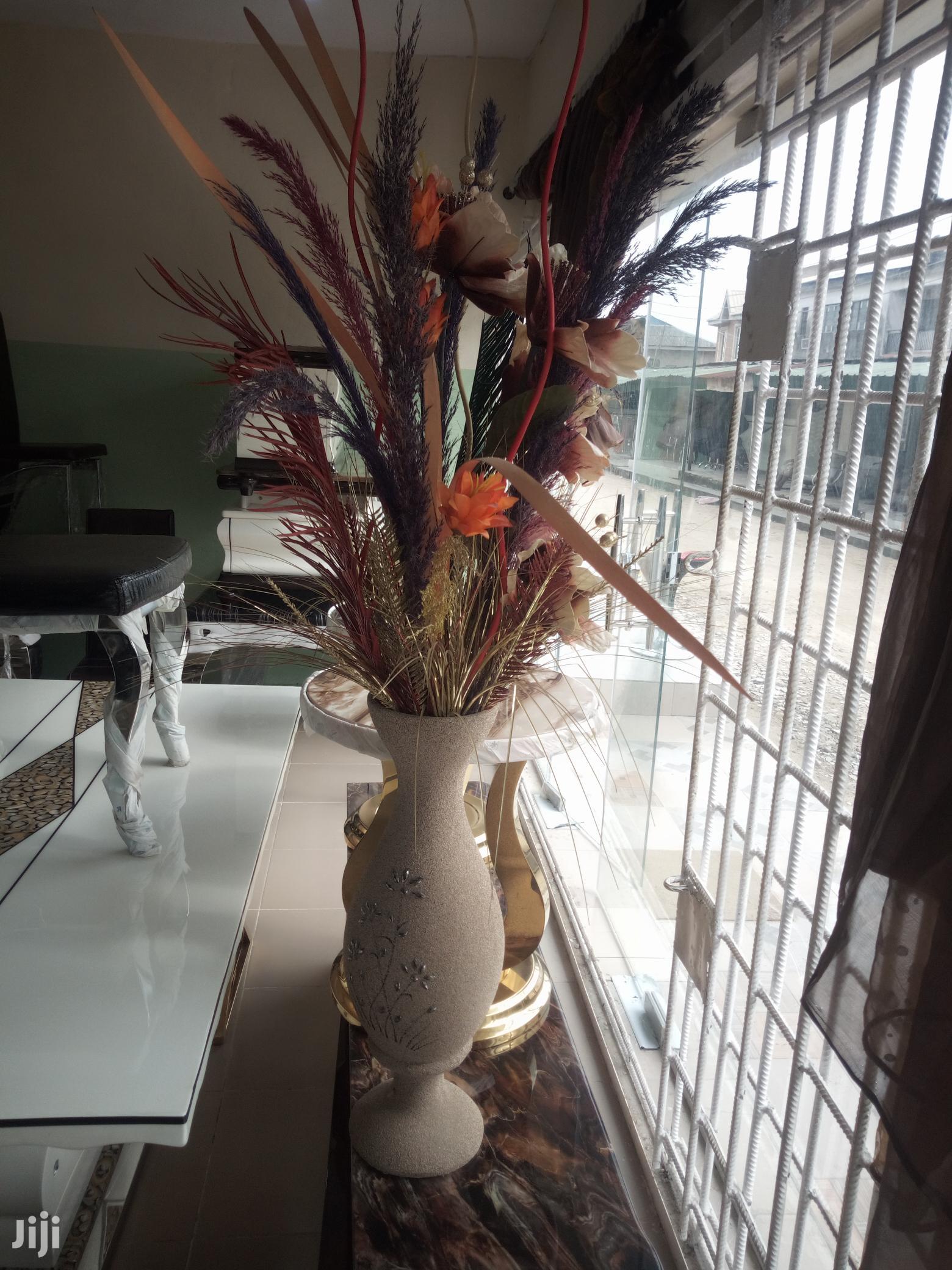 Unique & Beautiful Flower Pots And Flowers.