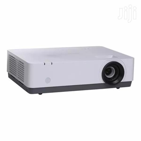 Sony VPL-D221, 2800 Lumens Projector | TV & DVD Equipment for sale in Wuse 2, Abuja (FCT) State, Nigeria