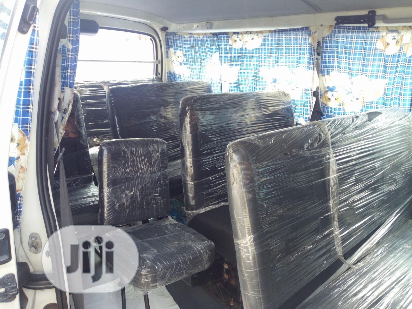 Toyota HiAce 2000 White | Buses & Microbuses for sale in Apapa, Lagos State, Nigeria