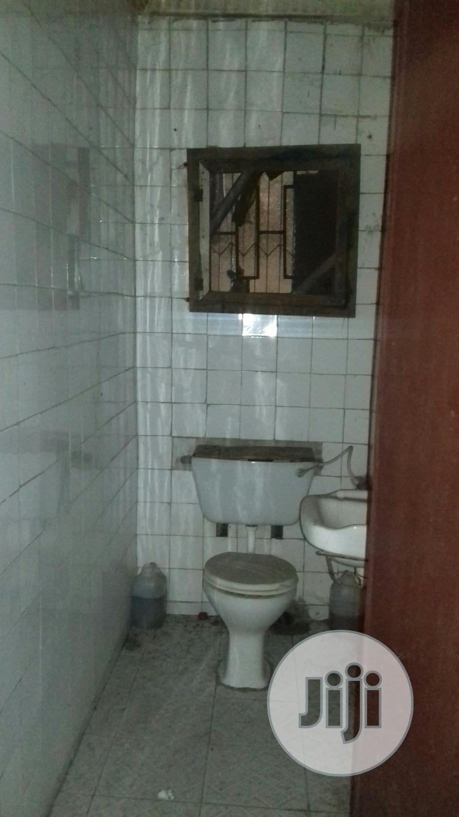 Very Spacious And Neat Mini Flat For Rent At Surulere | Houses & Apartments For Rent for sale in Surulere, Lagos State, Nigeria