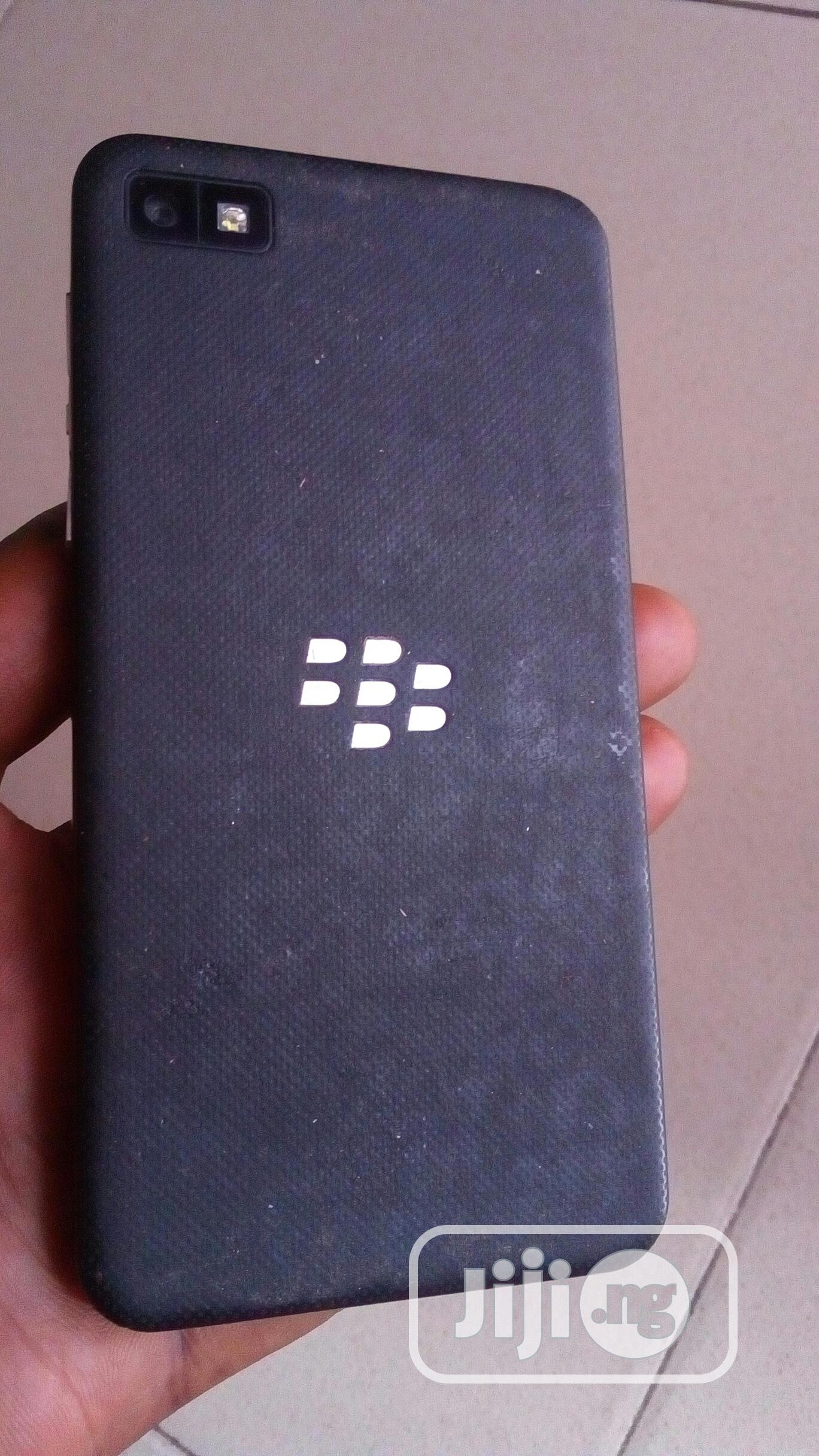 BlackBerry Z10 16 GB Black | Mobile Phones for sale in Ugheli, Delta State, Nigeria