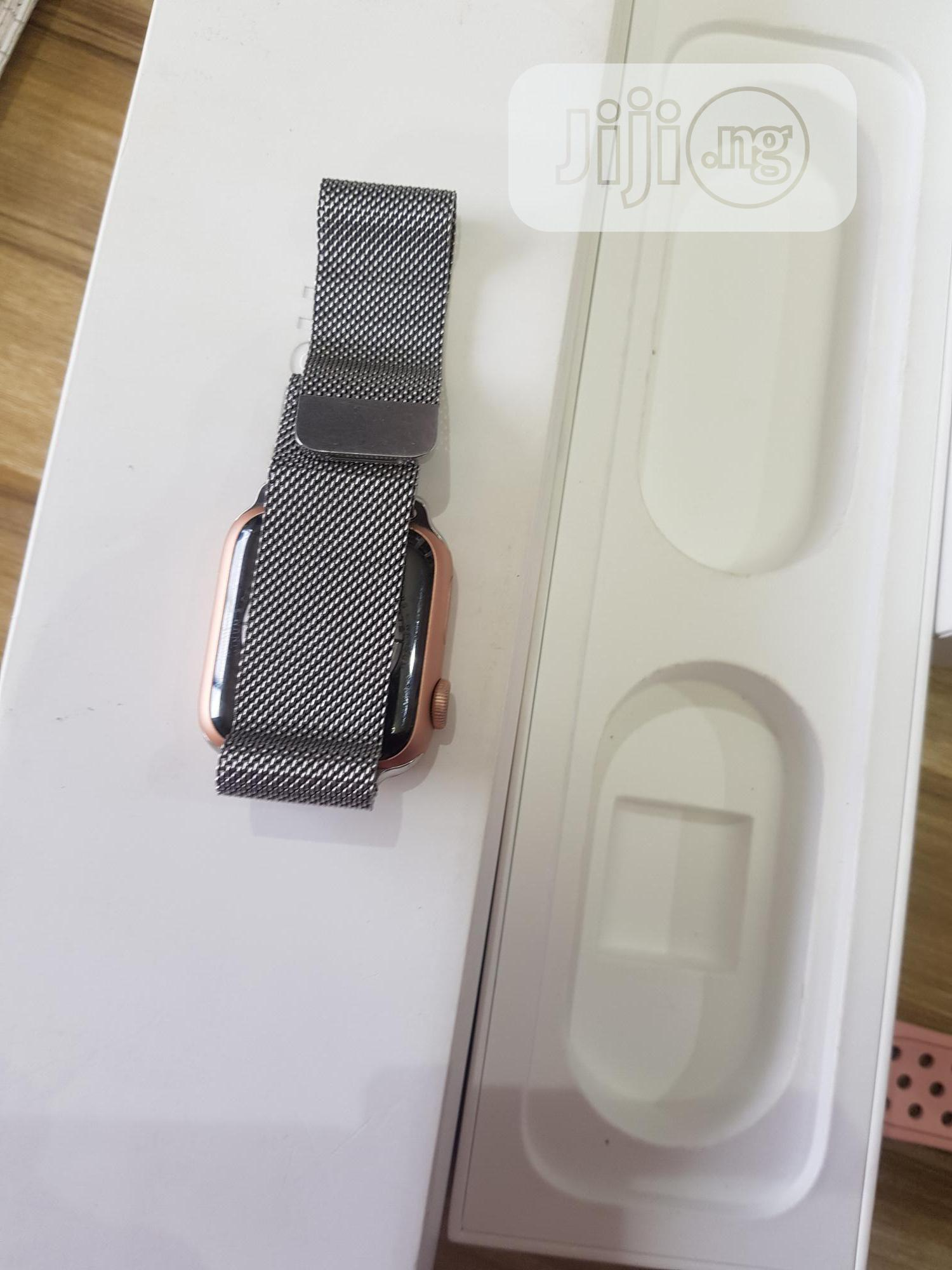 London Used Chain Apple Watch Series 4 40mm For Sale